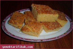 Mısır Unlu Susamlı Kek